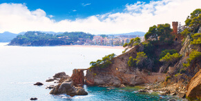 Inexpensive long-distance coach trips to Spain