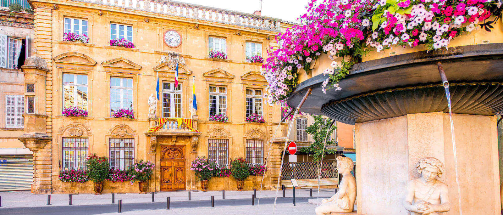 Bus schedules bus stops in salon de provence flixbus for Bus salon de provence aix en provence