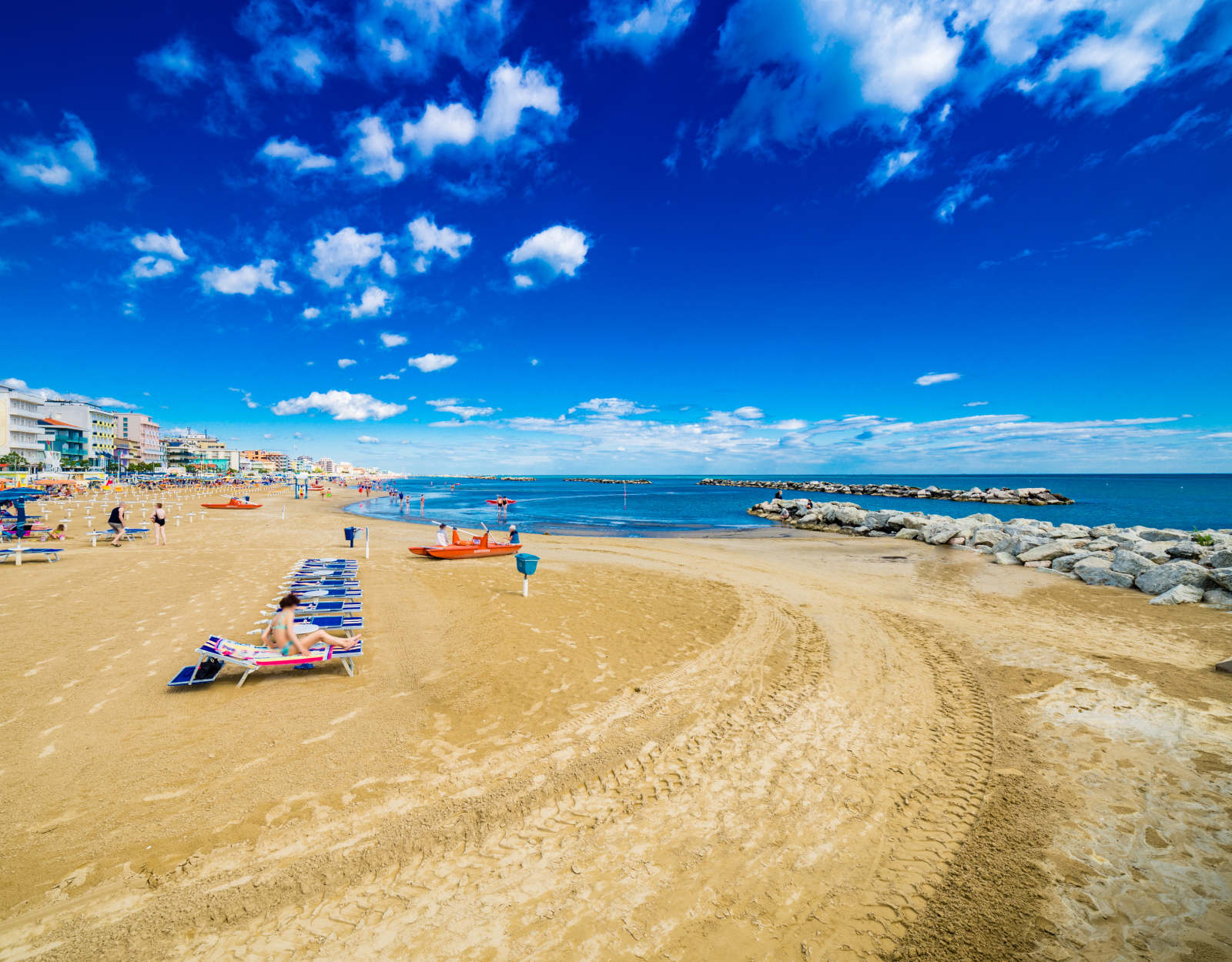 Explore Riviera Romagnola and visit more cities by bus