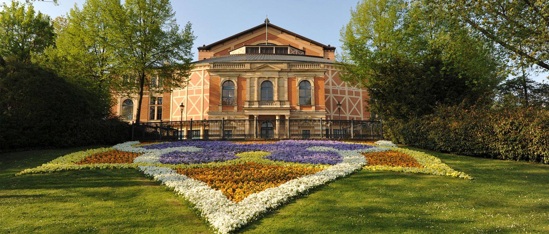 Bus to Bayreuth from $5.99 | Travel with FlixBus